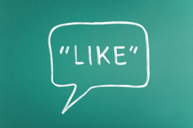 ターゲットに「行動」を起こさせるためには「共感」を得ることが重要です。ターゲットの立場になって「共感」を得るような内容を盛り込むことで、親近感や興味を持ってもらえる内容のチラシにしましょう。ここでは共感を得るための効果的な手法を二つ紹介します。